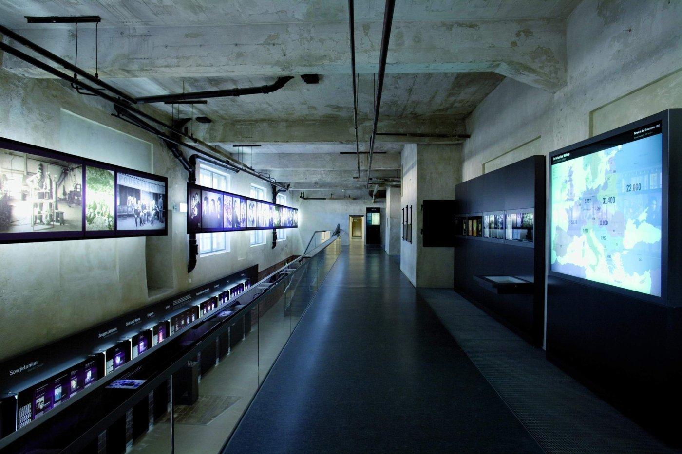 232f Galerie UG Flossenbuerg
