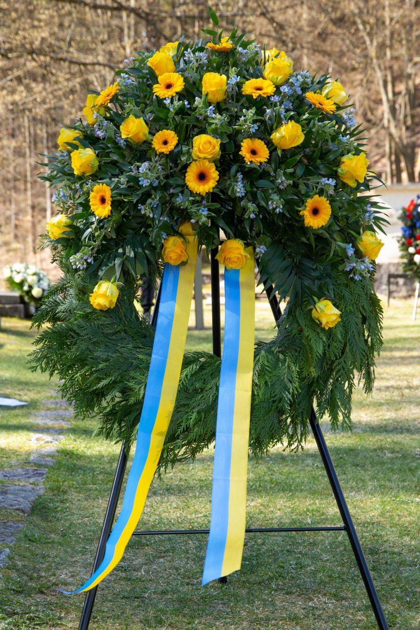 Kranz GK Ukraine stehend