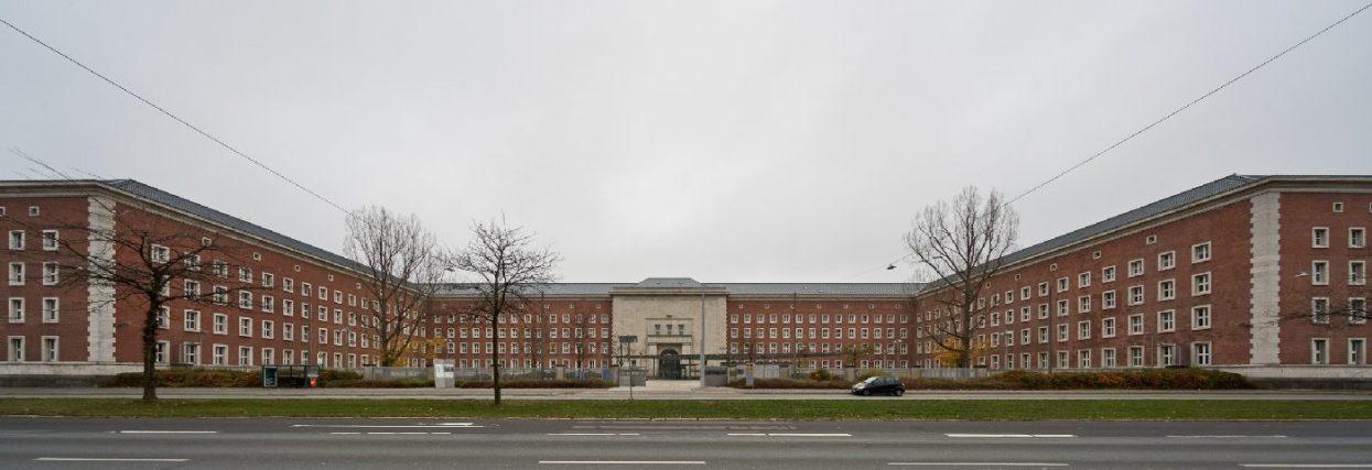 Nuernberg SS Kaserne 01 viertlboeck