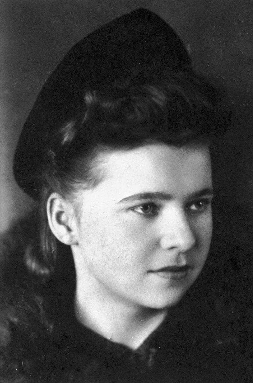 Celina gozdzikowski