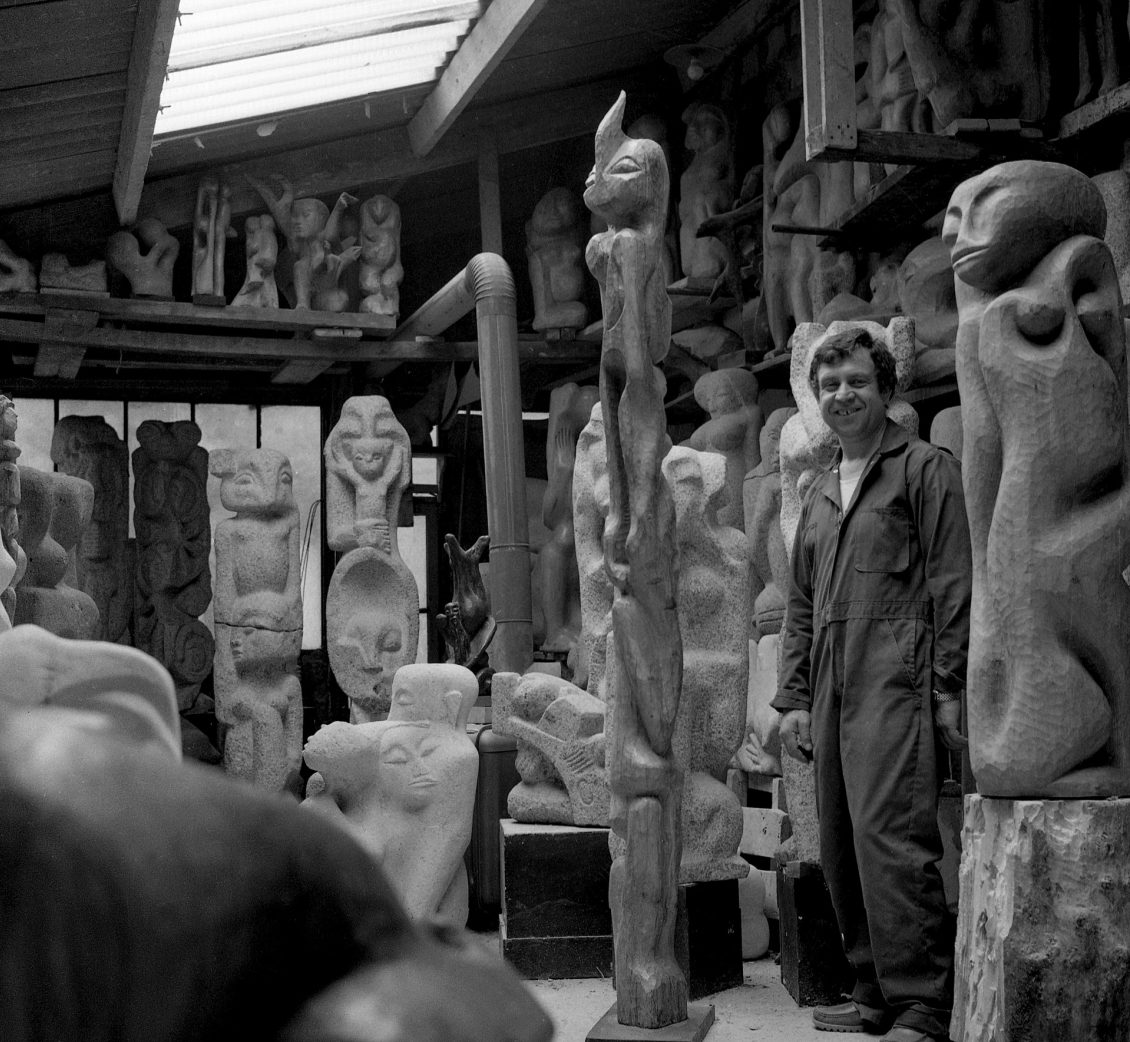 Shelomo Selinger in seinem Pariser Atelier, 1970